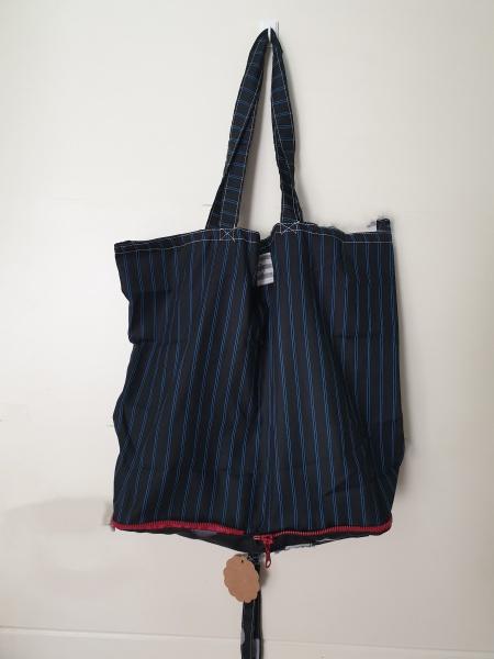 Bolsa de tela en negro y azul