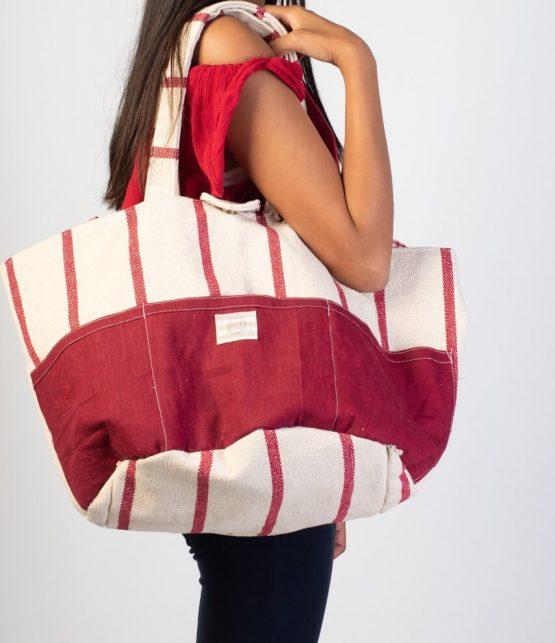 Bolso de tela circular beige y rojo