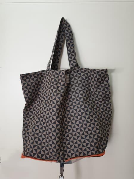 Bolsa de tela lavable negra y beige