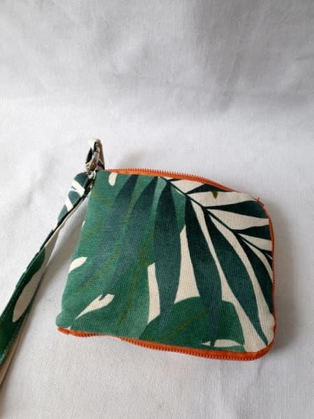 Bolsa de tela lpegada y cerrada con cremallera: Tela de hojas